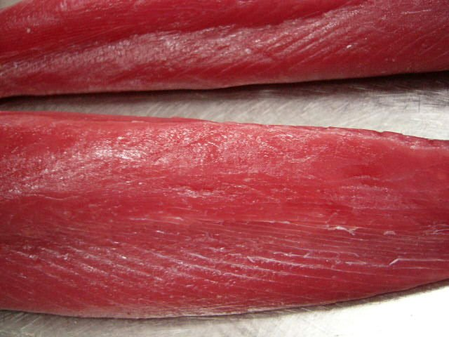 2 red-fleshed loins of tuna